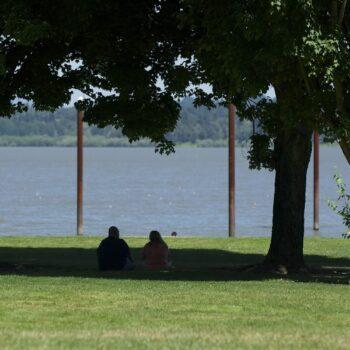 Picnicing Vancouver Lake
